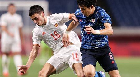 رسميا.. نجم برشلونة يتصارع على جائزة أفضل لاعب شاب في 2021