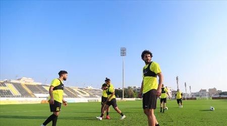 صور| تدريبات الاتحاد تشهد احتفال اللاعبين بـ حجازي والأحمدي استعدادا للاتفاق