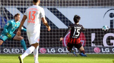 بايرن ميونيخ يسقط أمام فرانكفورت.. في الدوري الألماني