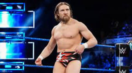 """نجم """"WWE"""" على بعد خطوة من أعلن اعتزال مصارعة المحترفين"""