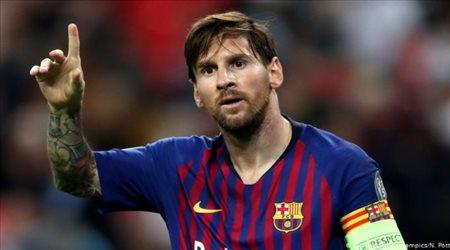 """ميسي الـ """"بيتشيتشي"""" يتفوق على أساطير الكرة الإسبانية"""