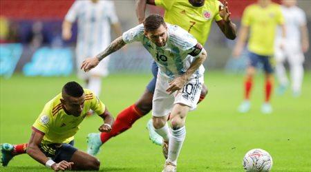 إصابة لميسي قد تبعده عن مواجهة أوروجواى بتصفيات المونديال