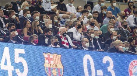 """""""كواليس فضيحة كامب نو"""".. جماهير برشلونة تعتدي بالضرب على إدارة لابورتا"""