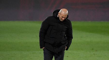 الفرصة الأخيرة لريال مدريد.. تعليق مثير من زيدان على ديربي حسم الدوري الإسباني