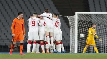 اسم تاريخي.. من هو مدرب تركيا في يورو 2020؟
