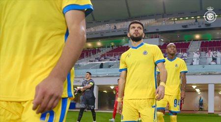 صفقة رسمية.. بيتزا على قميص النصر أمام الاتحاد