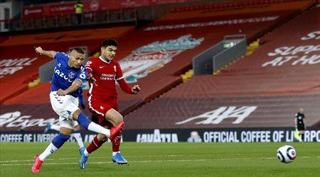 أنشيلوتي يهزم كلوب.. وليفربول يسقط أمام إيفرتون في الدوري الإنجليزي