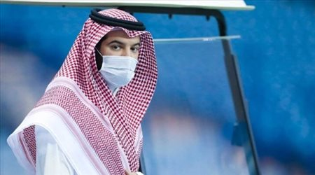 """فهد بن نافل """"يحارب"""" الجماهير.. ويعلن رحيل نجم الهلال"""