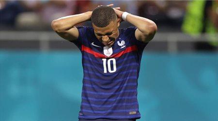 بـ33 هدف وصناعة.. مبابي يخوض المباراة رقم 50 له مع فرنسا