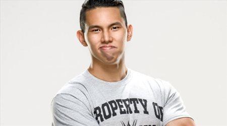 شين تان ينضم لـ WWE كأول مصارع في التاريخ من سنغافورة