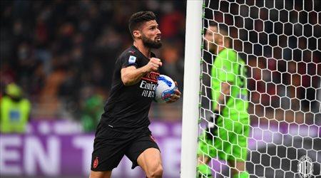 ميلان يقلب الطاولة على فيرونا ويفوز بثلاثية في الدوري الإيطالي