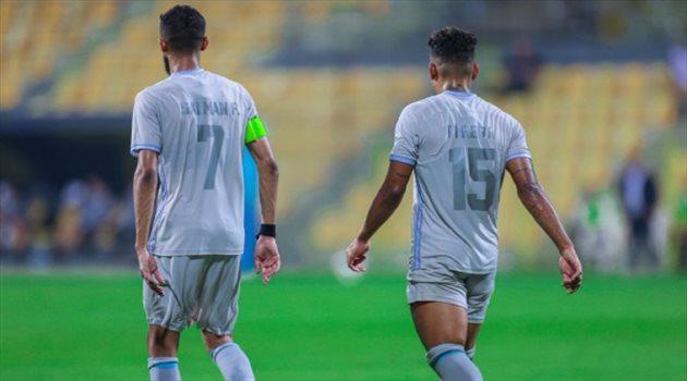 سلمان الفرج وماثيوس بيريرا من مباراة الهلال واستقلال الإيراني