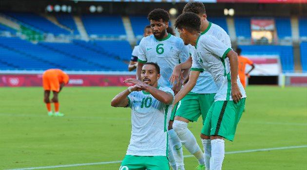 سالم الدوسري وسامي النجعي في مباراة السعودية وساحل العاج